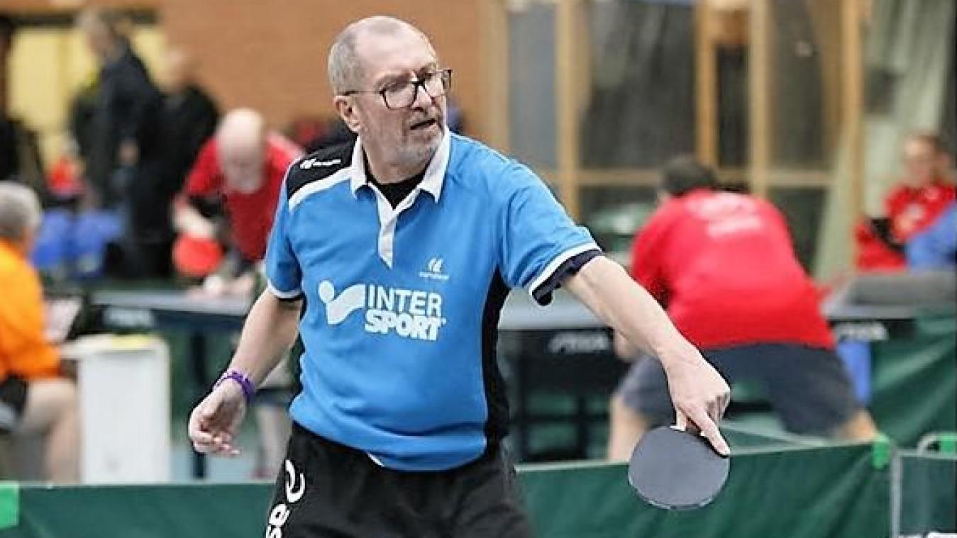 A 67 ans, Jean Taquet joue au tennis de table et s'entretient en faisant du vélo et des footings.