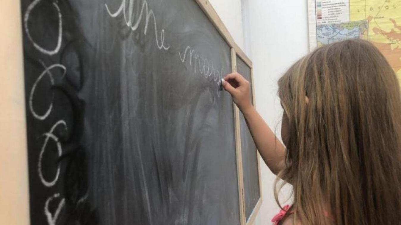 Confinement: à qui les parents peuvent-ils s'adresser s'ils rencontrent un problème durant cette semaine d'école à la maison?