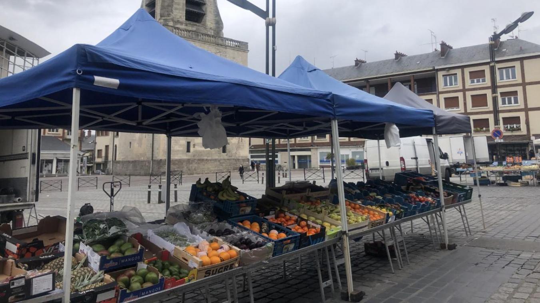 Depuis vendredi dernier, un décret n'autorise plus les commerçants non alimentaires sur les marchés.