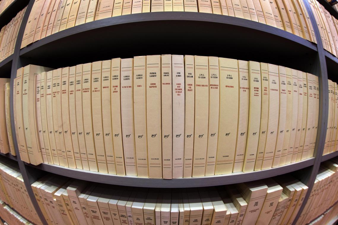 Débordée par l'afflux de nouveaux manuscrits, la maison d'édition Gallimard demande aux aspirants écrivains de repousser leur envoi