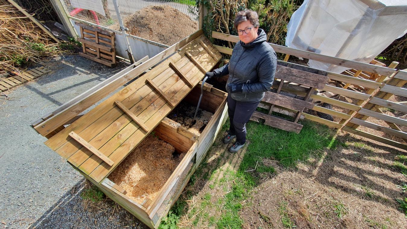 Émilie Provost anime des ateliers et conseille les entreprises et les particuliers désireux de transformer leurs déchets en compost. (Photo Paris-Normandie)