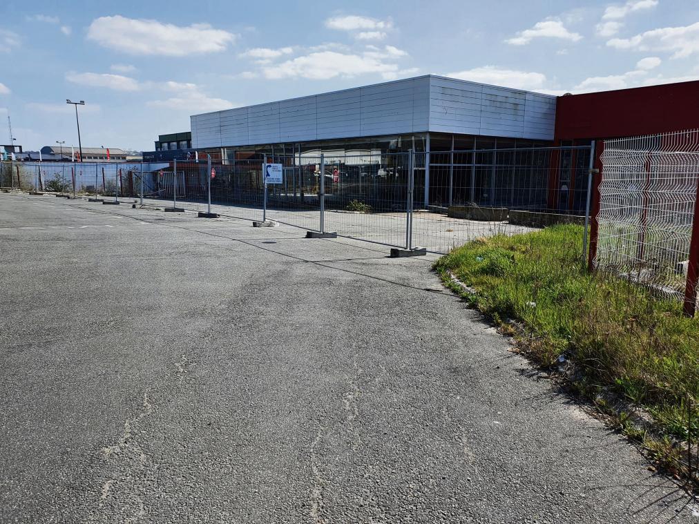 L'ancien garage Citroën doit être réaménagé. (Photo PN)