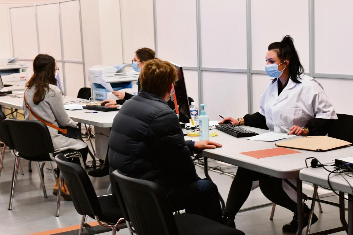Premières injections de Pfizer au vaccinodrome de Rouen, jeudi 8 avril 2021