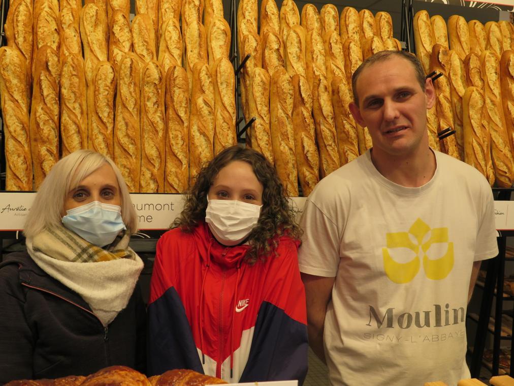 Les boulangers et leur fille Maëva proposent une nouvelle baguette : La Richaumont.