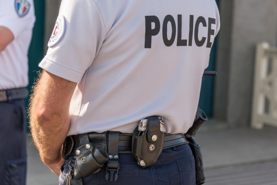 Propos racistes sur WhatsApp à Rouen : cinq anciens policiers jugés en septembre à Évreux