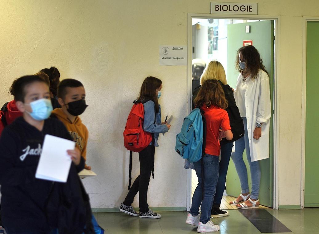 Collèges et lycées de l'académie d'Amiens: la vaccination des élèves débute  aujourd'hui