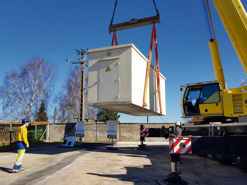 Le NRO, climatisé et surveillé, accueille les équipements des fournisseurs d'accès. (Photo : Karine Leroy/Paris-Normandie)