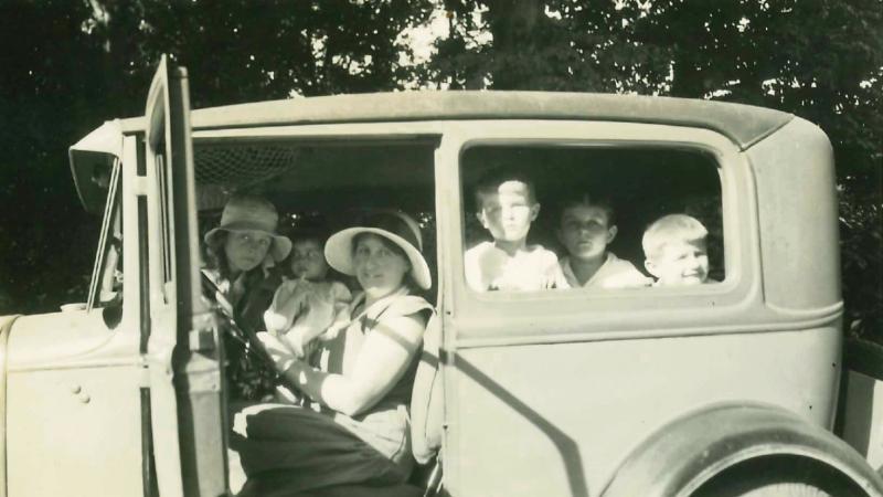 Mireille Pierson et ses enfants.