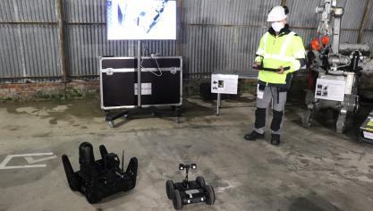 Le groupe Intra est doté de plusieurs engins de reconnaissance, pour réaliser  des missions d'investigation, dont ces petits robots.
