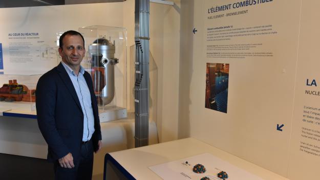 Laurent Javelle, directeur technique de la centrale nucléaire EDF de Penly, dans le centre d'information du site.