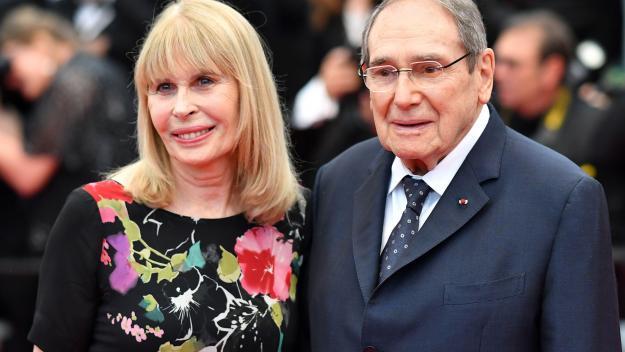 Robert Hossein avec sa dernière épouse, Candice Patou, lors du festival de Cannes 2018.