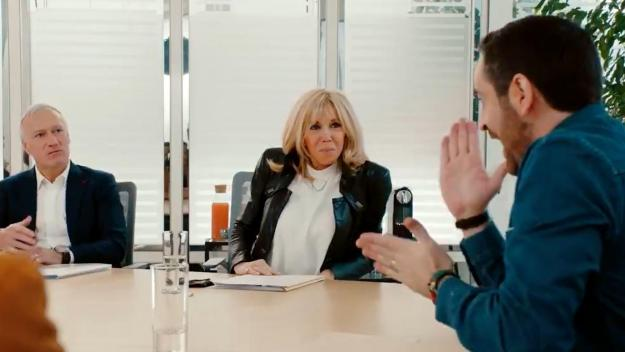 Précautions sanitaires obligent, pas de tirelires disposées cette année dans les bureaux de poste et les grandes surfaces mais une collecte dématérialisée, a expliqué Brigitte Macron dans cette vidéo humoristique.