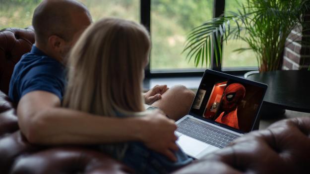 Au printemps 2020, 46% des internautes français avaient accès à au moins une plateforme vidéo au sein de leur foyer.