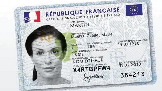 La nouvelle carte d'identité, tout comme les passeports, permis de conduire ou diplômes sont tous produits sur le site de l'Imprimerie nationale de Douai.