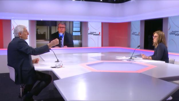 Un an jour pour jour après l'annonce du premier confinement général de la population en France pour cause de Covid-19, Hervé Morin, le président de la Région Normandie était l'invité de la matinale de Public Sénat le mercredi 17 mars 2021. (Crédit photo : @ Public Sénat)