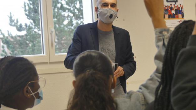 En l'espace de deux séances, Farid Afiri parvient à instaurer une relation forte avec les élèves.