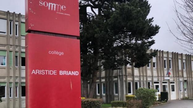 Les classes de 4e et 3e du collège Aristide Briand de Chaulnes, soit la moitié des 417 élèves de l'établissement, doivent s'isoler dès aujourd'hui.