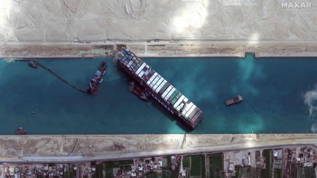 Les images satellites du porte-conteneurs échoué.