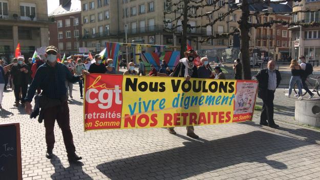 Les retraités ont défilé dans les rues du centre-ville, afin de défendre leur pouvoir d'achat ainsi que l'accès à la santé et notamment à la vaccination contre le coronavirus.