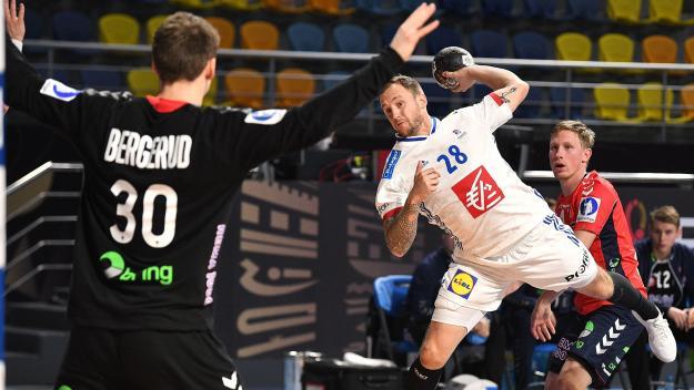 Pour passer en quarts de finale, les Français devront prendre l'une des quatre premières places de ce groupe relevé, avec également la Norvège de Sander Sagosen, et l'Allemagne.