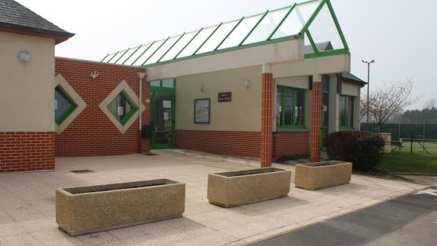 L'école de Froberville fonctionne avec des effectifs très réduits jusqu'au vendredi 2 avril. Ensuite, elle fermera complètement pour trois semaines, conformément aux consignes données par le président Emmanuel Macron
