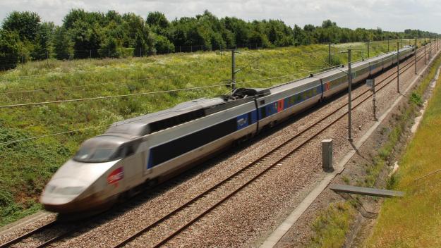 La construction de 6 km de voie nouvelle dans le val d'Oise offrira un accès direct au réseau TGV pour les trains venant de Picardie.