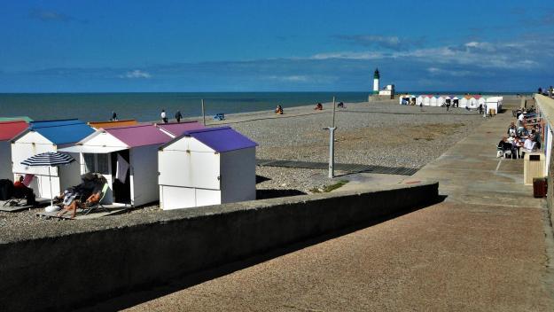 3 500 m3 de galets vont être déposés sur la plage.