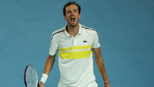Demi-finaliste en principauté lors de la dernière édition en 2019, Medvedev devait entrer en lice au deuxième tour cette année face à Filip Krajinovic ou Nikoloz Basilashvili.