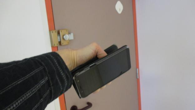 «Je me servais d'une appli espion. Vous tenez votre téléphone à hauteur de hanche, ça prend jusqu'à huit photos à la seconde», a expliqué le prévenu.
