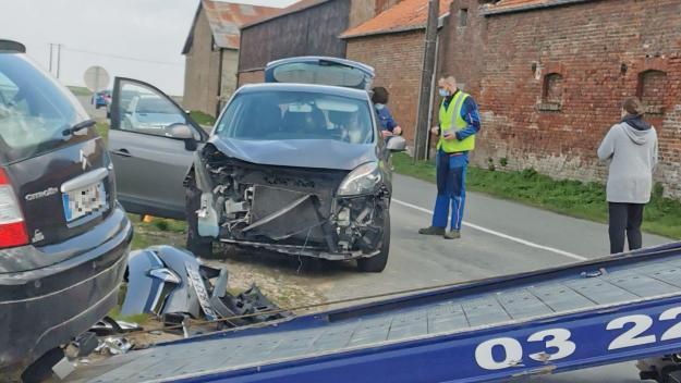 C'est l'avant des deux voitures qui a encaissé le choc.