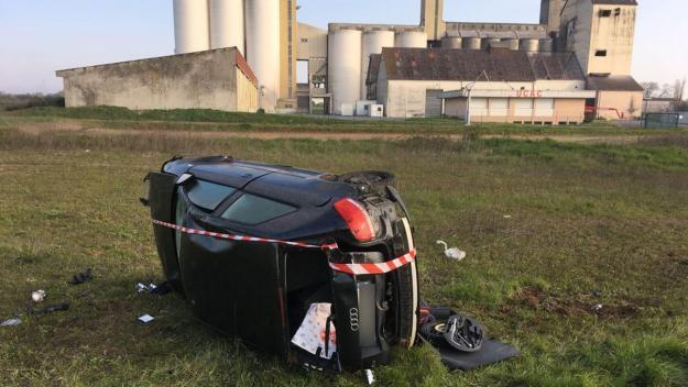 Le véhicule a effectué plusieurs tonneaux avant d'atterrir dans un champ à proximité immédiate de l'entreprise UCAC;